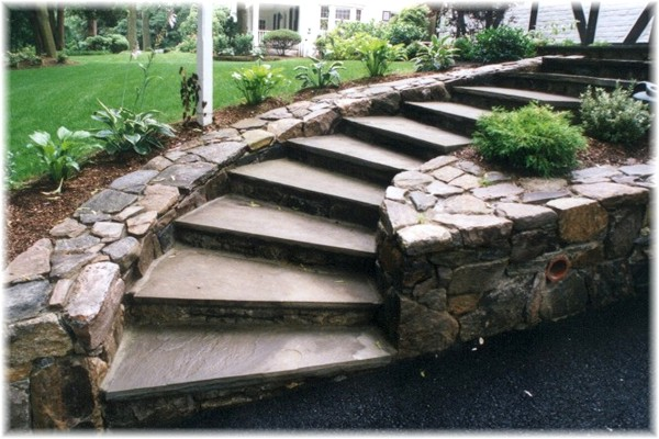 Driveway blacktostairs retaining stone wall belgian blocks design ideas Westchester